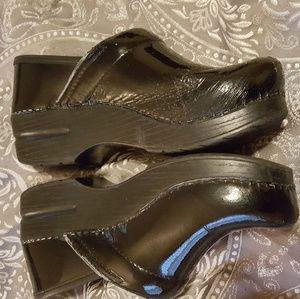 Dansko Shoes - Black patent Dansko clogs, size 36